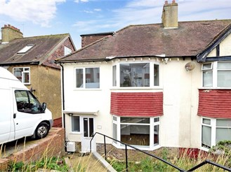 4 bedroom semi-detached house in Brighton