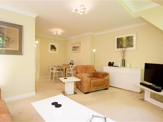 2 bedroom penthouse apartment in Bramber, Steyning