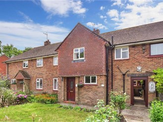 3 bedroom terraced house in Leigh, Reigate