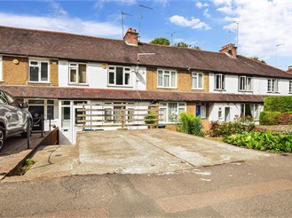 3 bedroom terraced house in Whyteleafe