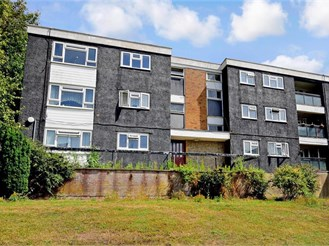 2 bedroom second floor flat in Brighton