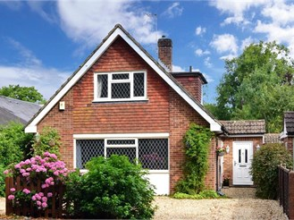 4 bedroom detached bungalow in Horley