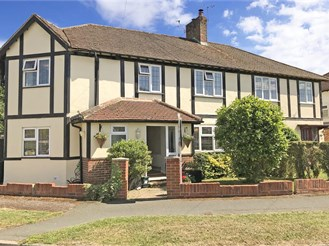 4 bedroom semi-detached house in Strood Green, Betchworth