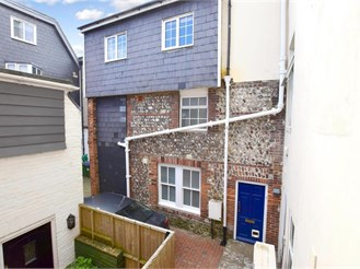 2 bedroom attached house in Lewes