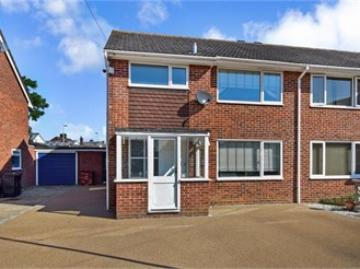 3 bed semi-detached house in Emsworth