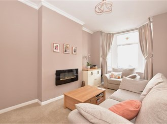 2 bed ground floor flat in North End, Portsmouth