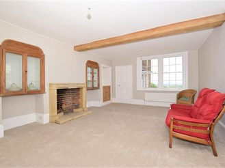 6 bedroom detached house in Linton, Maidstone