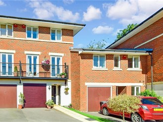 4 bedroom town house in Crowborough