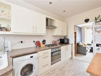 2 bedroom first floor converted flat in Emsworth