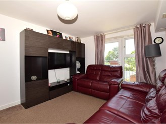 2 bedroom first floor flat in Wallington