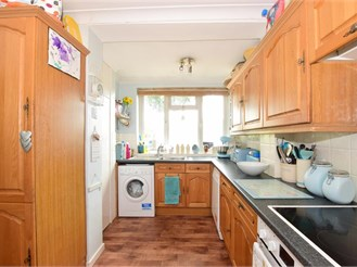 3 bedroom end of terrace house in Hunston, Chichester