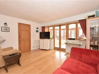 5 bedroom semi-detached house in Chichester