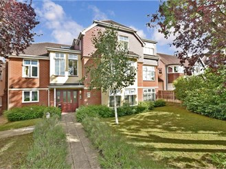 2 bedroom ground floor apartment in Purley
