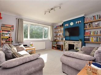 2 bedroom ground floor maisonette in Caterham