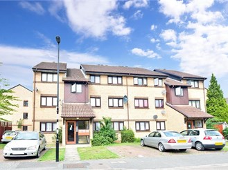1 bedroom ground floor flat in Croydon