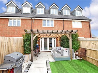 3 bedroom town house in Chichester
