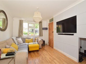 2 bedroom end of terrace house in Southwater, Horsham
