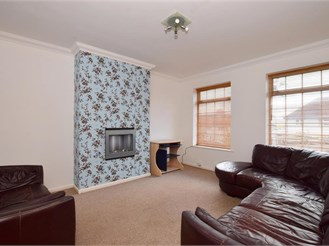 4 bed semi-detached house in Patcham, Brighton