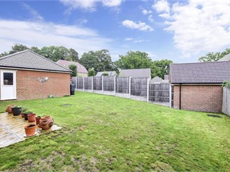 5 bedroom detached house in Pease Pottage, Crawley