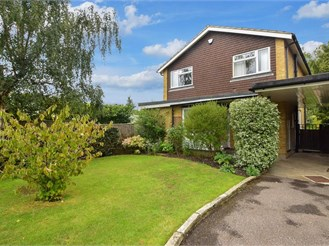 3 bedroom detached house in Merstham