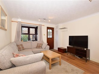 2 bedroom end of terrace house in South Croydon