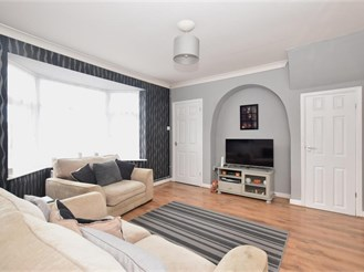 3 bedroom terraced house in Chichester
