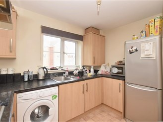 2 bedroom first floor apartment in Chichester