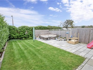 3 bedroom end of terrace house in Peacehaven, Brighton