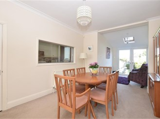 3 bedroom semi-detached house in North End, Portsmouth