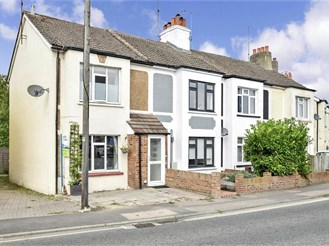 2 bedroom terraced house in Burgess Hill