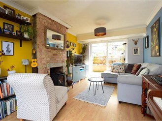 2 bedroom terraced house in Woodingdean, Brighton