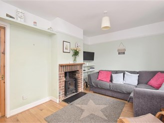 3 bed terraced house in WESTBOURNE