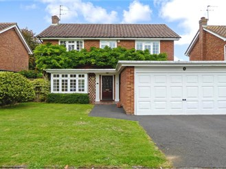 4 bedroom detached house in Bookham, Leatherhead