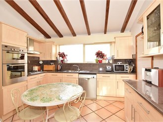 4 bedroom bungalow in Rudgwick
