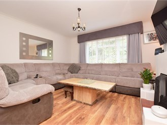 3 bedroom semi-detached house in Whyteleafe