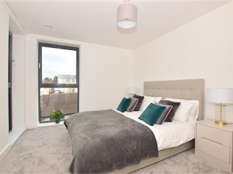 2 bedroom second floor apartment in Maidstone