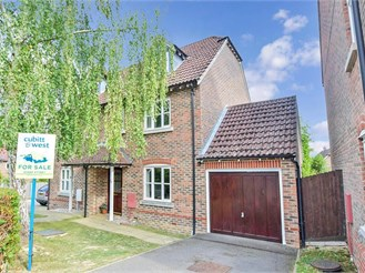 3 bed semi-detached house in Loxwood