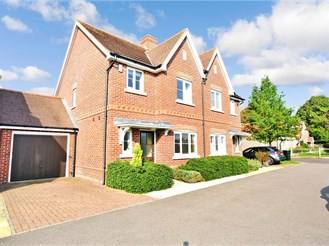3 bedroom semi-detached house in Loxwood