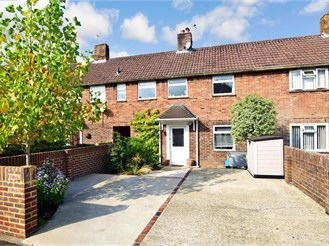 3 bedroom terraced house in Pulborough