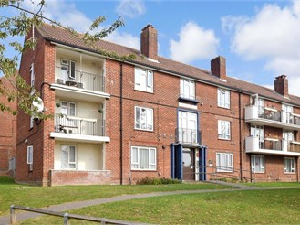 2 bedroom ground floor apartment in Portsmouth