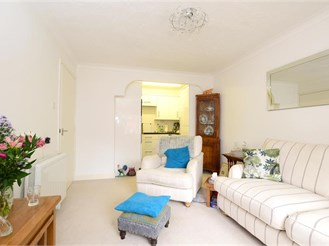 1 bedroom first floor retirement flat in Southgate