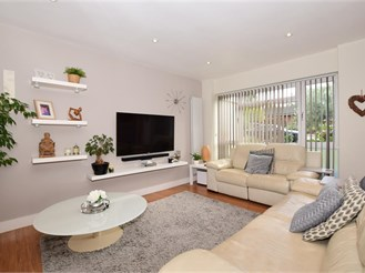 3 bedroom terraced house in Fetcham