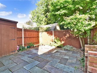 3 bed semi-detached house in Sutton