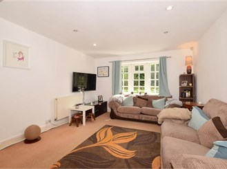 4 bedroom end of terrace house in Burgh Heath, Tadworth