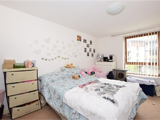 2 bedroom first floor apartment in Three Bridges, Crawley