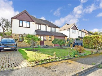 4 bedroom detached house in Kenley