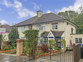 3 bedroom semi-detached house in South Croydon