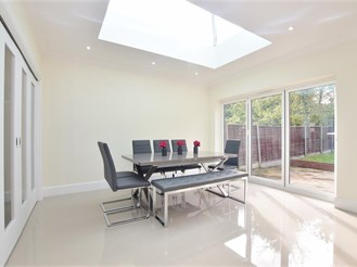4 bedroom semi-detached house in Wanstead