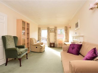 1 bed top floor retirement flat in Reigate