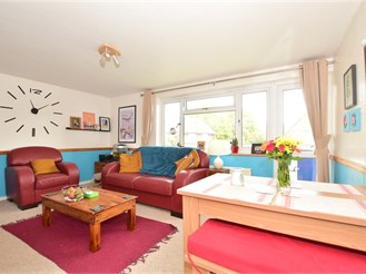 2 bedroom flat in Horsham